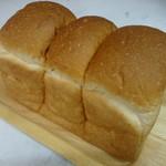 キャリーアン  - 食パン
