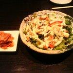 BANG - キムチとシーザーサラダ