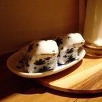 キッチン ククゥ - 蛙の塩と胡椒入れ