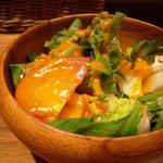 キッチン ククゥ - サラダのアップ