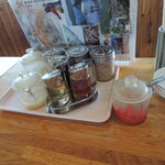 いさな - 生姜、ニンニク、胡麻、紅しょうがまで置いている