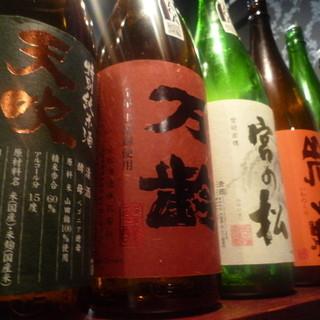 福岡や佐賀を筆頭に九州の日本酒や焼酎も種類豊富!