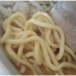 濃厚中華そば つけそば 伝堂 - どうスかこの麺。見るからにムッチムチ♪