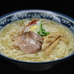 和風楽麺 四代目 ひのでや - 料理写真:店主一押し まずは塩ラーメンをどうぞ