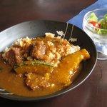 弥栄 - オーガニックのカレーで玄米が入ったご飯でした。