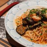 鎌倉パスタ - 料理写真:熟成厚切りベーコンとトロトロなすのトマトソース