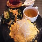 roku cafe - ランチメニュー(帆立と小海老の和風オムライス+HOT tea)1000円