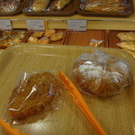 16787475 - ほとんどのパンは袋に入ってます