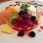 ガーデンヴィラカフェ - フルーツパンケーキ