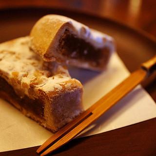 高橋家 - 料理写真:くるみそば。優しい甘さが嬉しい♪