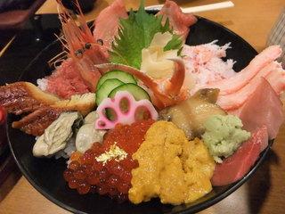 ひら井 いちば館店 - 特選海鮮丼(2,750円)