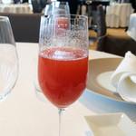 ラ・フェット ひらまつ - フレッシュストロベリーとシャンパンのカクテル