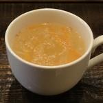 カフェ スマイル - 最初にスープ