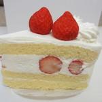 ブラックマウンテン - 苺のショートケーキ