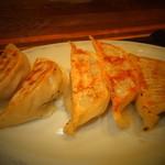 どさん粉 麺や 凡 - 正油ラーメンセット 700円の餃子5個 【 2013年1月 】