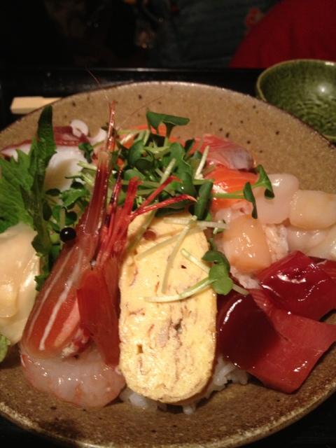 七代目 寅 - 海鮮丼(900円)
