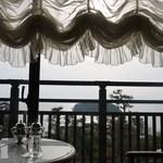16806277 - ☆*:..喫茶店アサゼリアがあり・・正面は竹島!