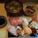 すし政 - ランチ寿司800円