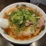来来亭 - ワンタン麺(背油抜き)