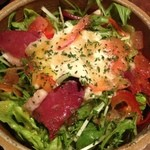 銀しゃりDining灯戸 - 銀のカモの生ハムと湯葉のサラダ