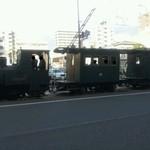 かに道楽 - 31 【料理無関係】 店前の一例・路面電車