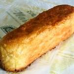 ベーカリーカフェ マルコポーロ  - クロワッサンフロマージュ 160円