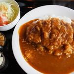 トエニ - 料理写真:カツカレー