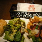 アマランティ - プレートランチ牛肉ステーキ、ローストビーフっぽい