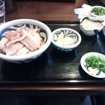 16825668 - 肉ぶっかけ(全景)