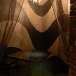 ボワ ヴェール - しっとりした雰囲気。幻想的な個室もあります♪
