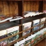 16828490 - ガーデニングの本がいっぱい
