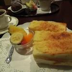 明日香 - 姫路名物アーモンドトースト