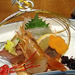 16842893 - 【造里】 鯛 間八 鮪 赤海老 妻一式