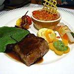 16842899 - 特選牛肉ロースステーキ 赤ワインソース