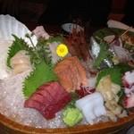寿司 うまいもの処 伊勢家 - 刺身の盛り合わせ