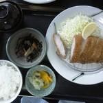 港や - 料理写真:上ロースかつ定食1,150円