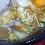彩華ラーメン - 麺とスープ