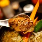 橙~オレンジ - スパイス醤油らぁめん(780円) 鶏肉が抜群に美味しい!
