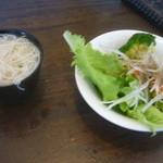 16851244 - サラダバーの味噌汁(素麺入り)、サラダ
