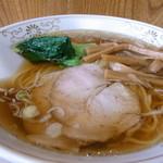 鎌倉赤坂飯店 - ラーメン600円