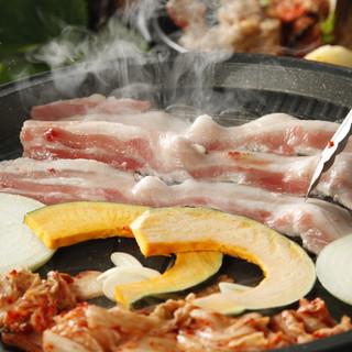 韓国料理の一押し豚の三段バラ