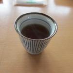 naru - まずは温かいお茶を頂きながら料理が出来上がるのを待ちます、ワクワク。