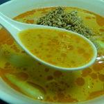 境耘閣 - 坦々麺のスープ