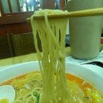 境耘閣 - 坦々麺の麺はこんな感じです