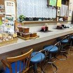 糸島食堂 バイキング&カフェ ほもり - カウンター席