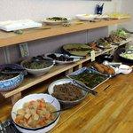 糸島食堂 バイキング&カフェ ほもり - サラダに揚げ物に煮物に和え物に…いろいろあります♪
