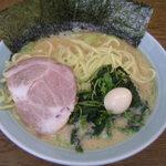 ラーメン壱六家 磯子本店 - ラーメン(並)600円
