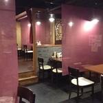 唐朝刀削麺 - ディナータイムのお席の様子