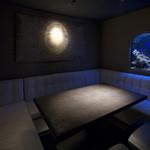 アクアリウムイタリアン心斎橋ライム - 水槽付完全個室。6~8名様に最適です。
