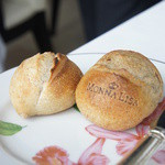 モナリザ - お店の刻印が入ったパン。